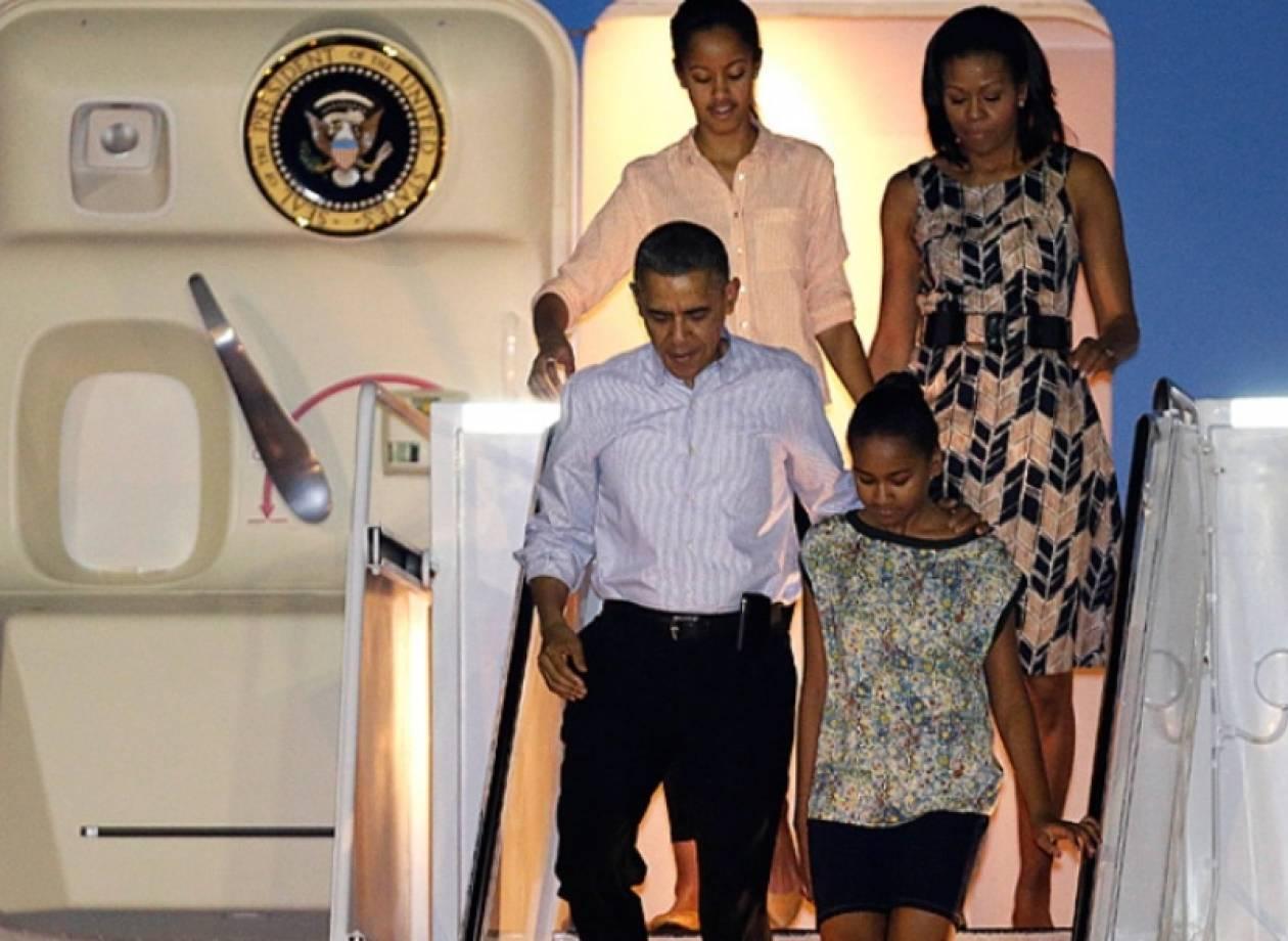 Ο Ομπάμα συντόμευσε τις διακοπές του στη Χαβάη