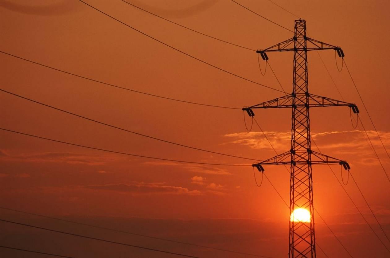ΡΑΕ: Μειώσεις στο κόστος χρήσης δικτύων μεταφοράς ηλεκτρικής ενέργειας