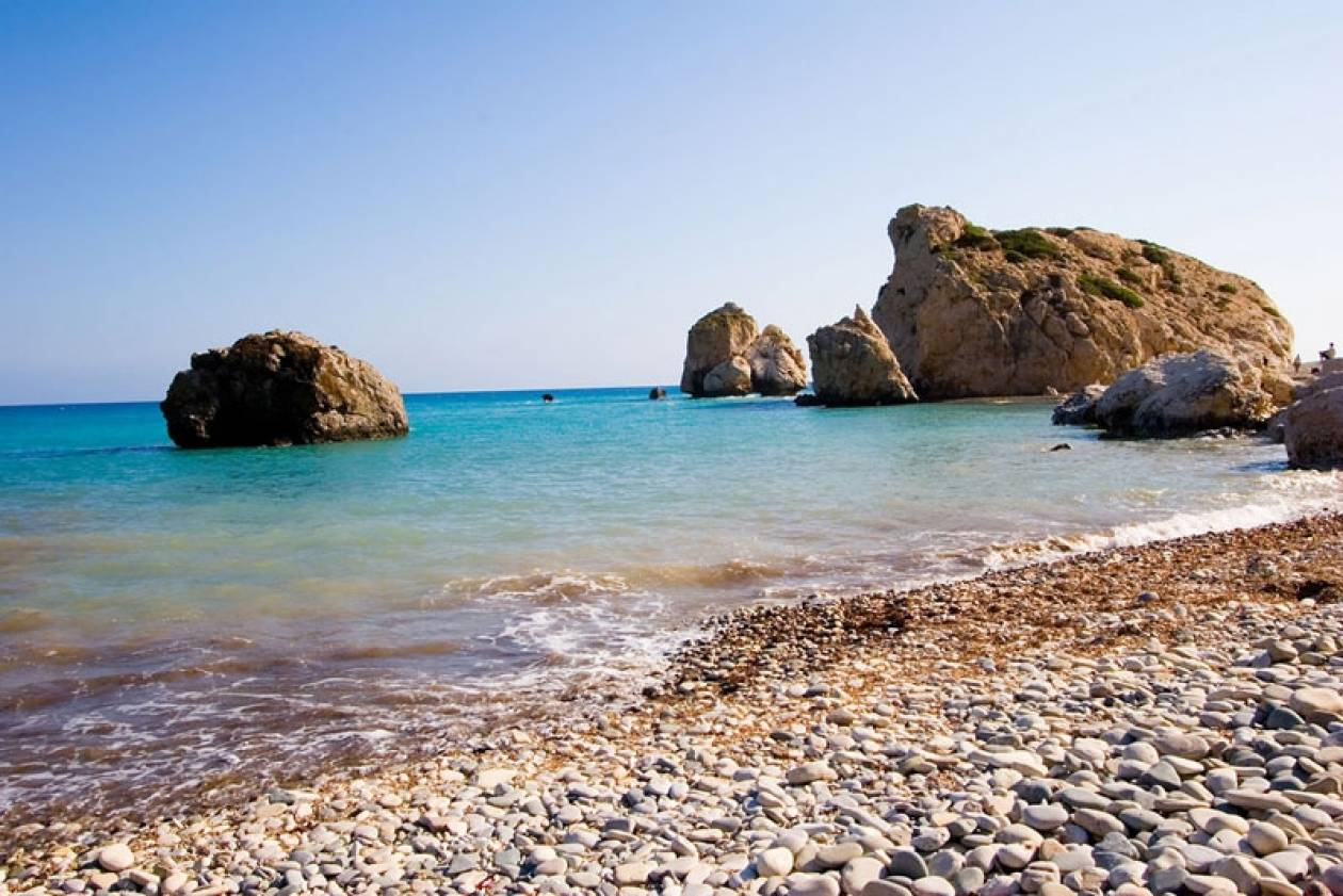 Φθηνότερες για το καλοκαίρι οι διακοπές Βρετανών στην Κύπρο