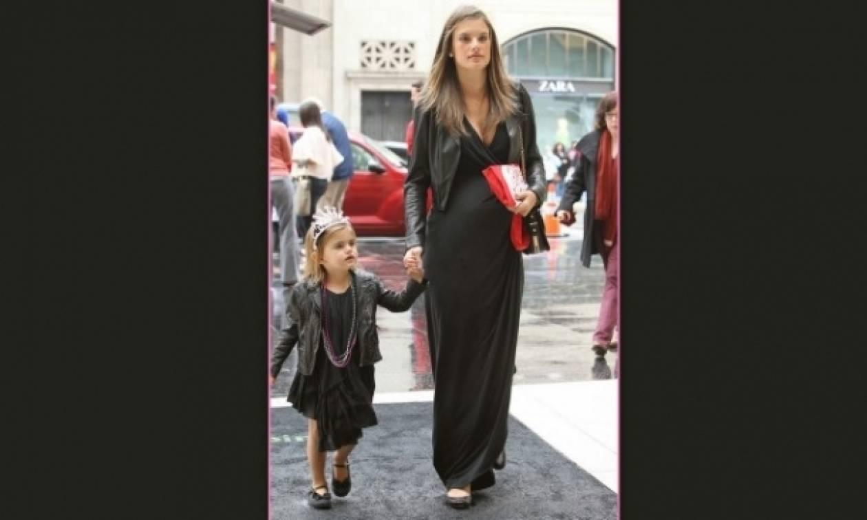 Το ροκ ντύσιμο της κόρης της Ambrosio