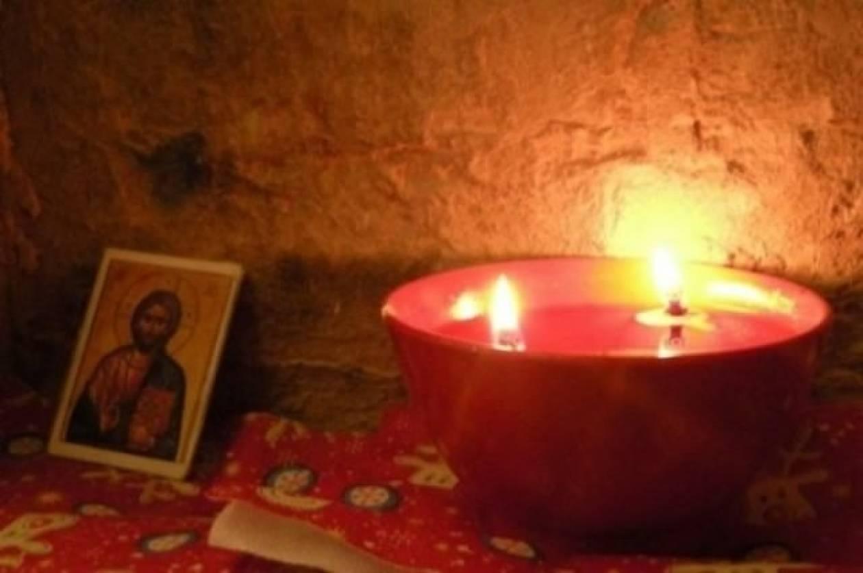 Τραγωδία: Ηλικιωμένη άναψε καντήλι και κάηκε ζωντανή