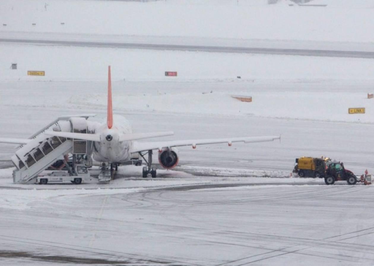 Ακυρώθηκαν 500 πτήσεις λόγω ψύχους