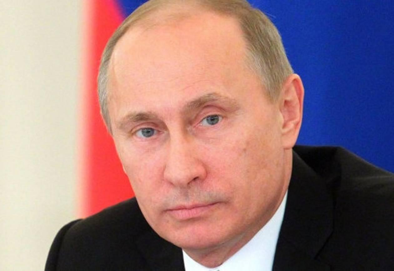 Με υπογραφή Πούτιν η απαγόρευση υιοθεσιών από Αμερικανούς