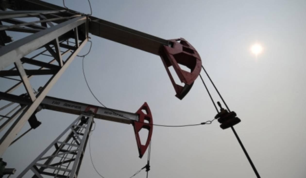 Μειώθηκαν οι παγκόσμιες τιμές πετρελαίου