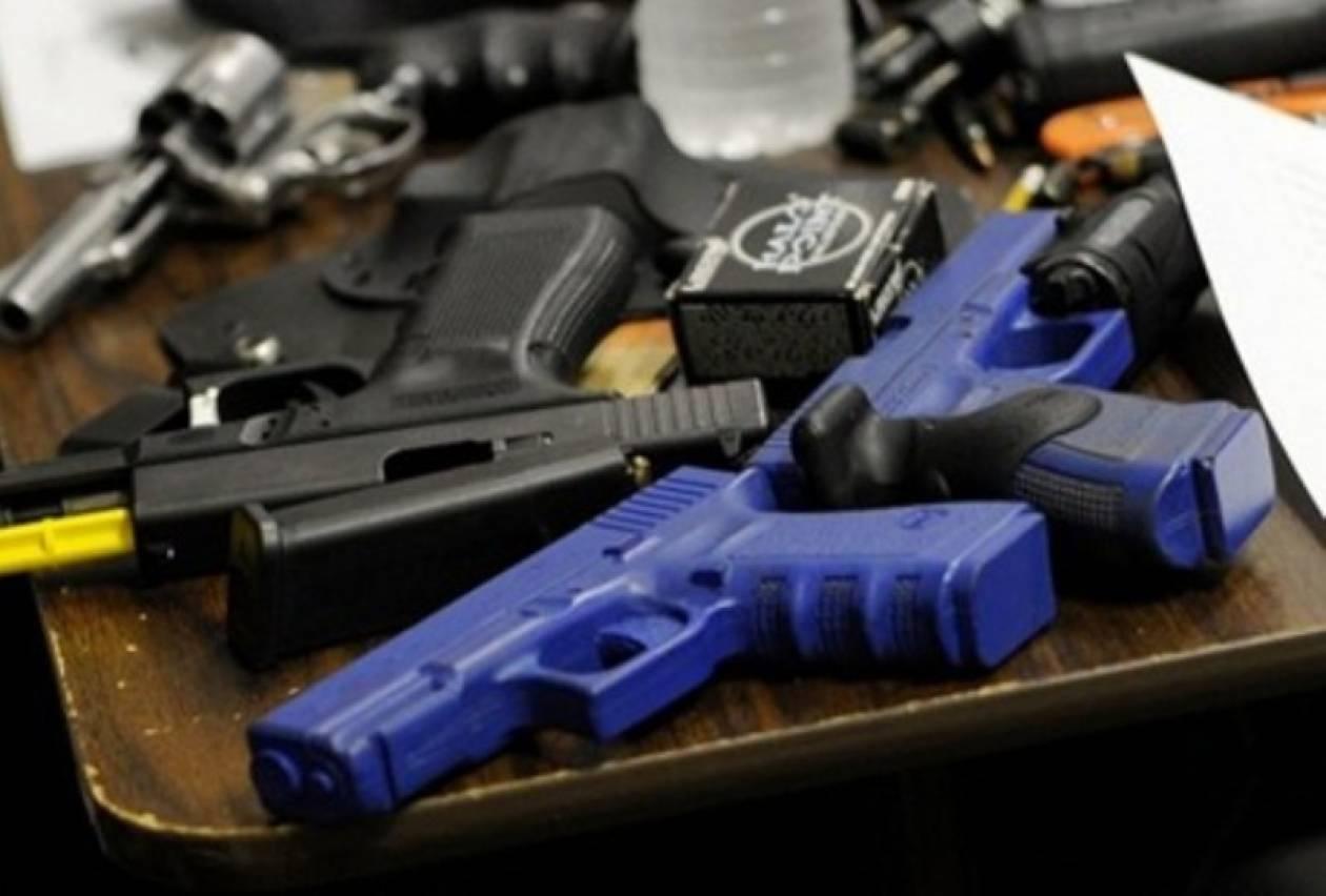 Με όπλα οι δάσκαλοι στα σχολεία