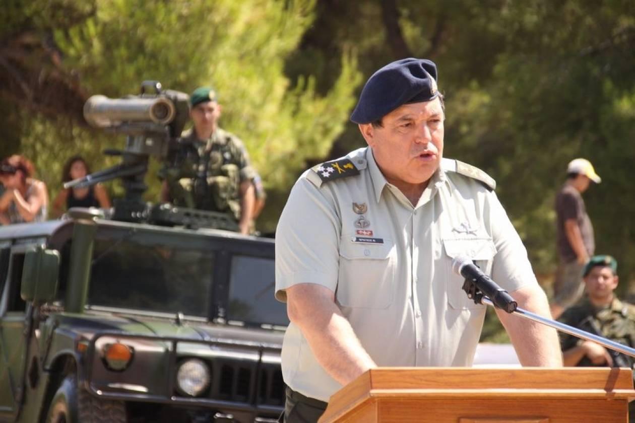 Νέο κόμμα με αρχηγό τον στρατηγό Φράγκο