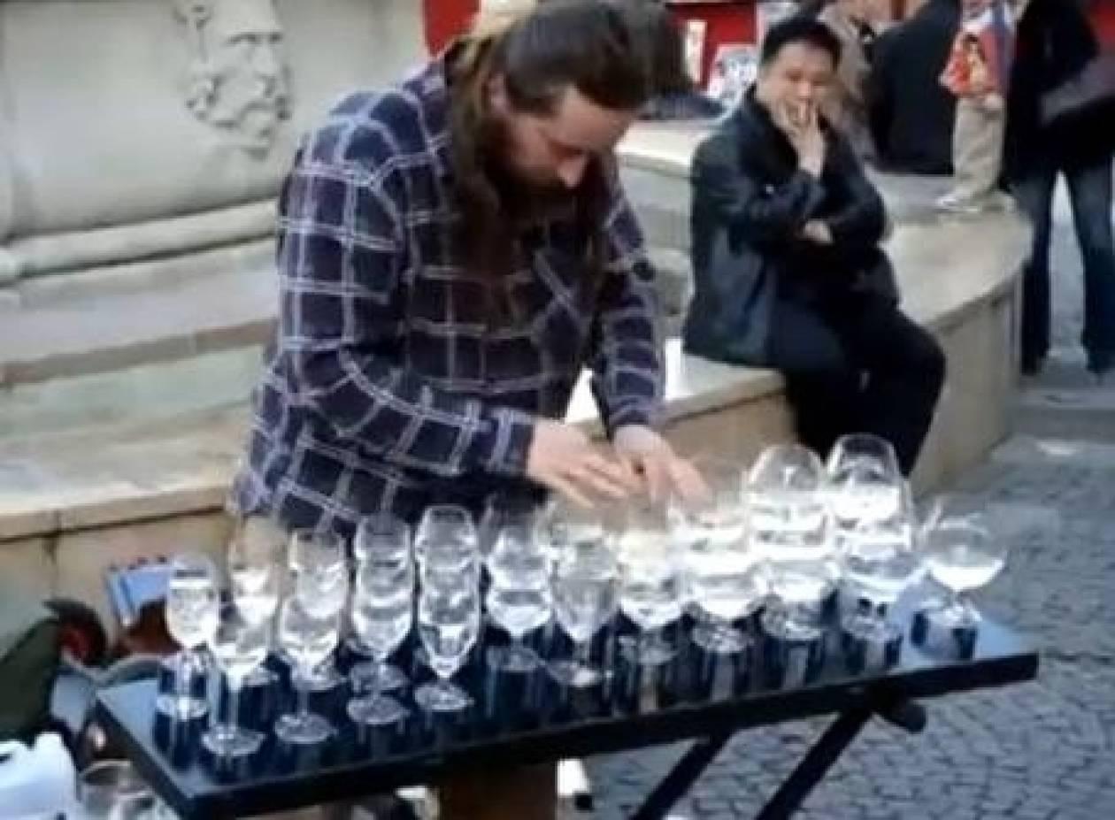 Βίντεο: Κονσέρτο από ποτήρια