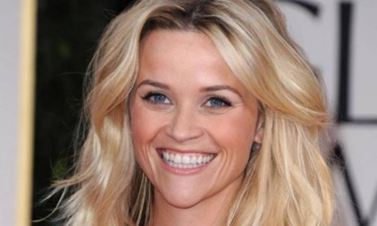 Reese Witherspoon: Γυμναστική με τα παιδιά της!