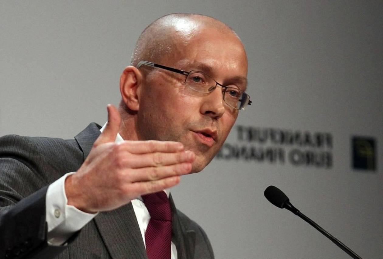 Άσμουσεν: Δεν θα βγει η Ελλάδα από το ευρώ το 2013
