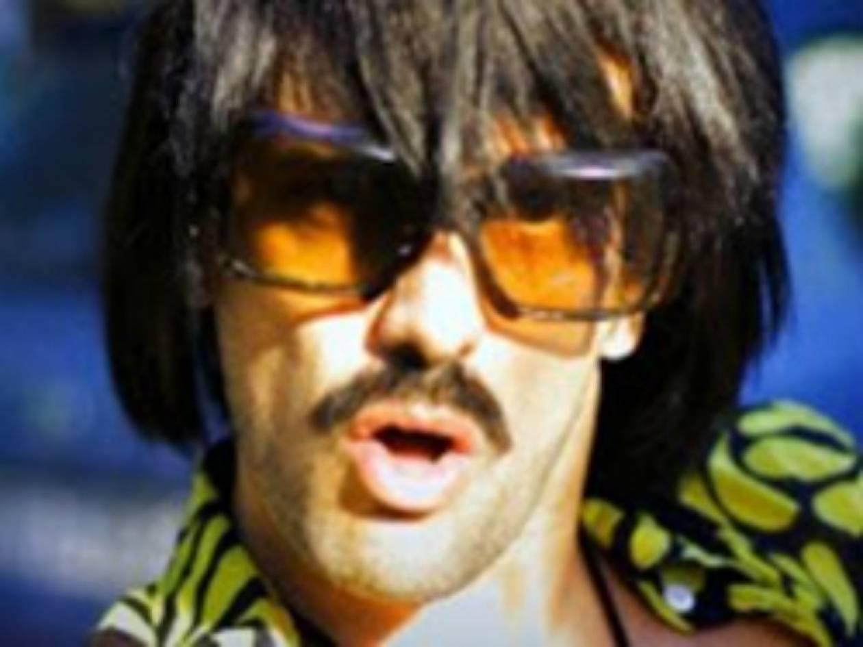 Δείτε πώς είναι ο Τόνι Σφήνος χωρίς περούκα και γυαλιά!