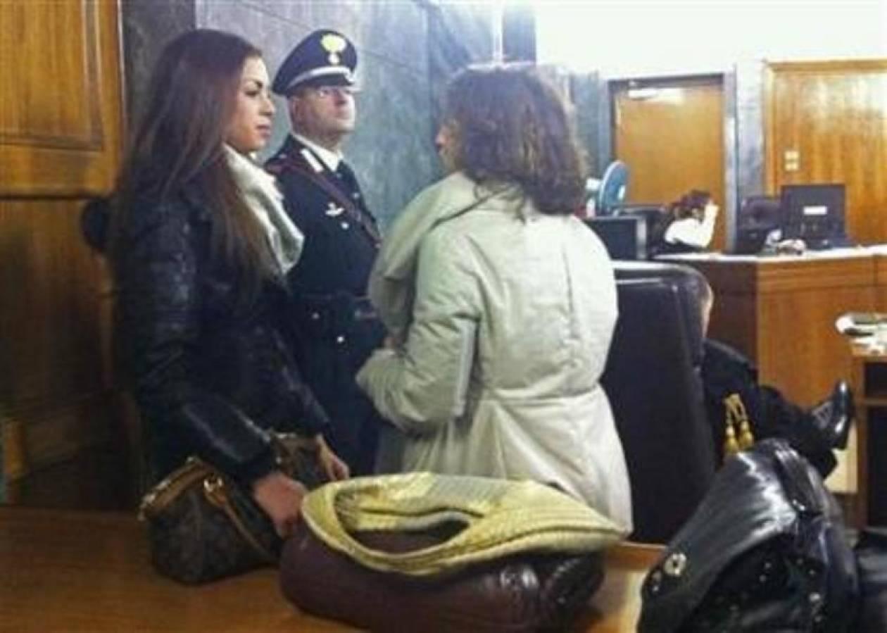 Η επανεμφάνιση της Ρούμπι στη δίκη του Μπερλουσκόνι