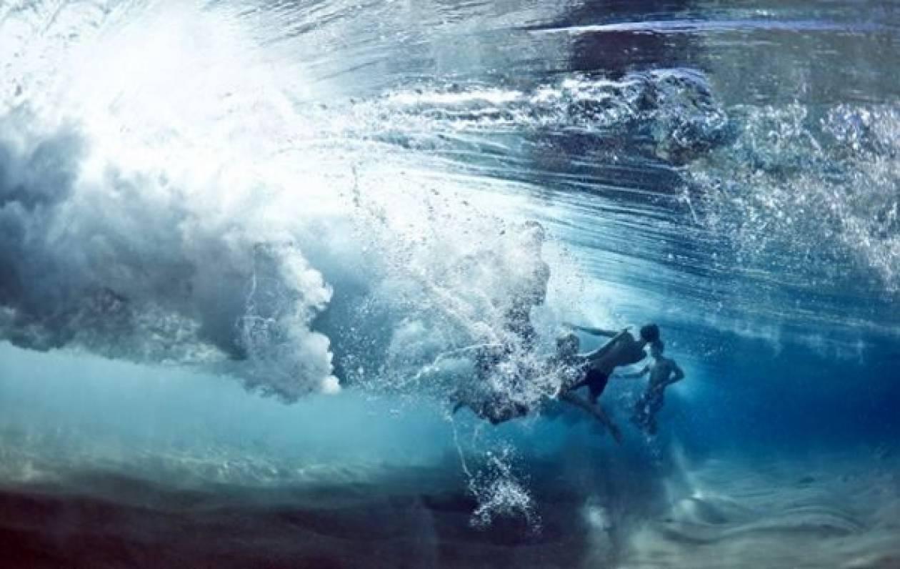 Δείτε πως φαίνονται τα κύματα από τον βυθό (pics)