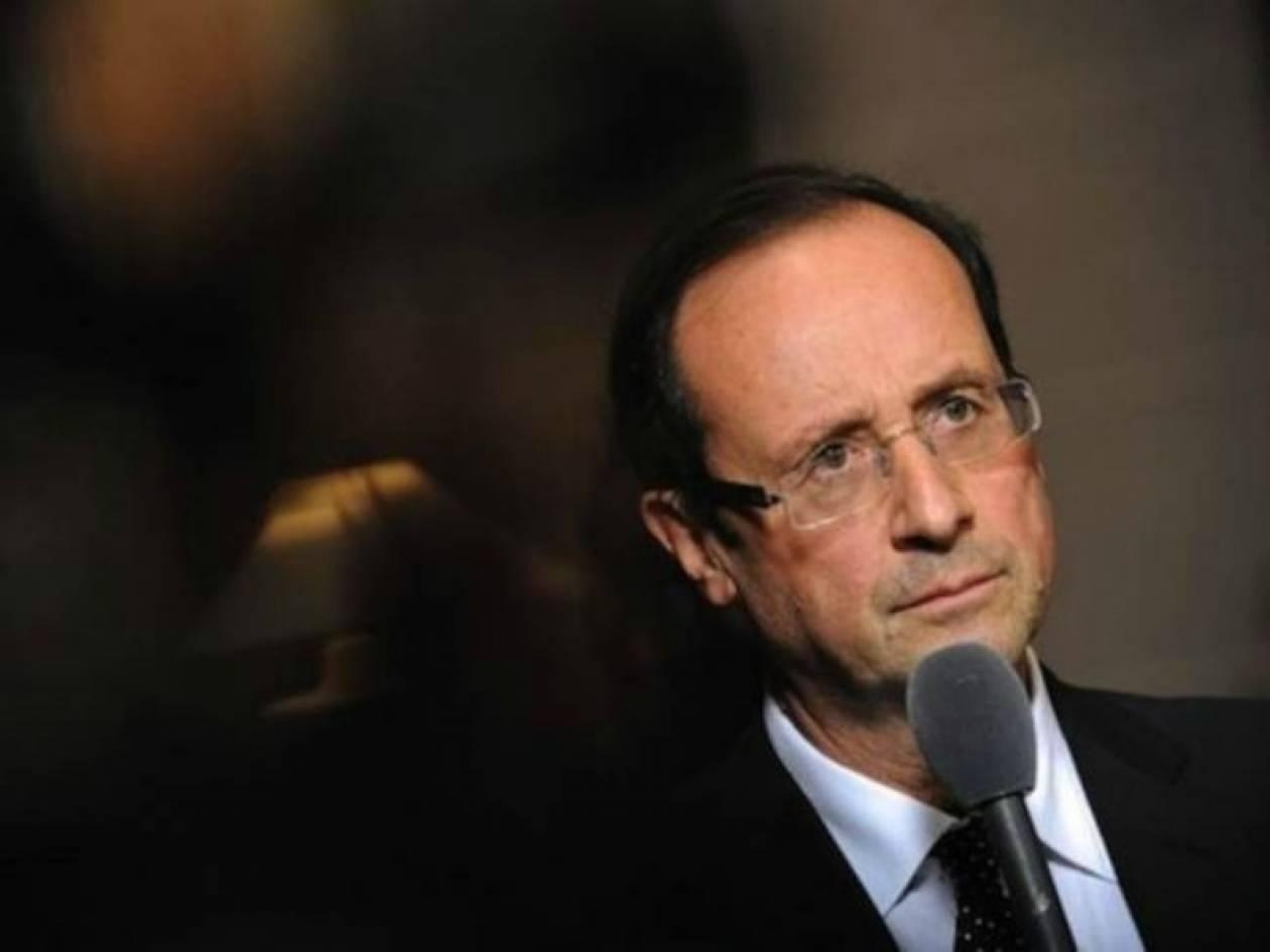 Σε συνεχή επαφή με τις αλγερινές αρχές για το θέμα των ομήρων ο Ολάντ