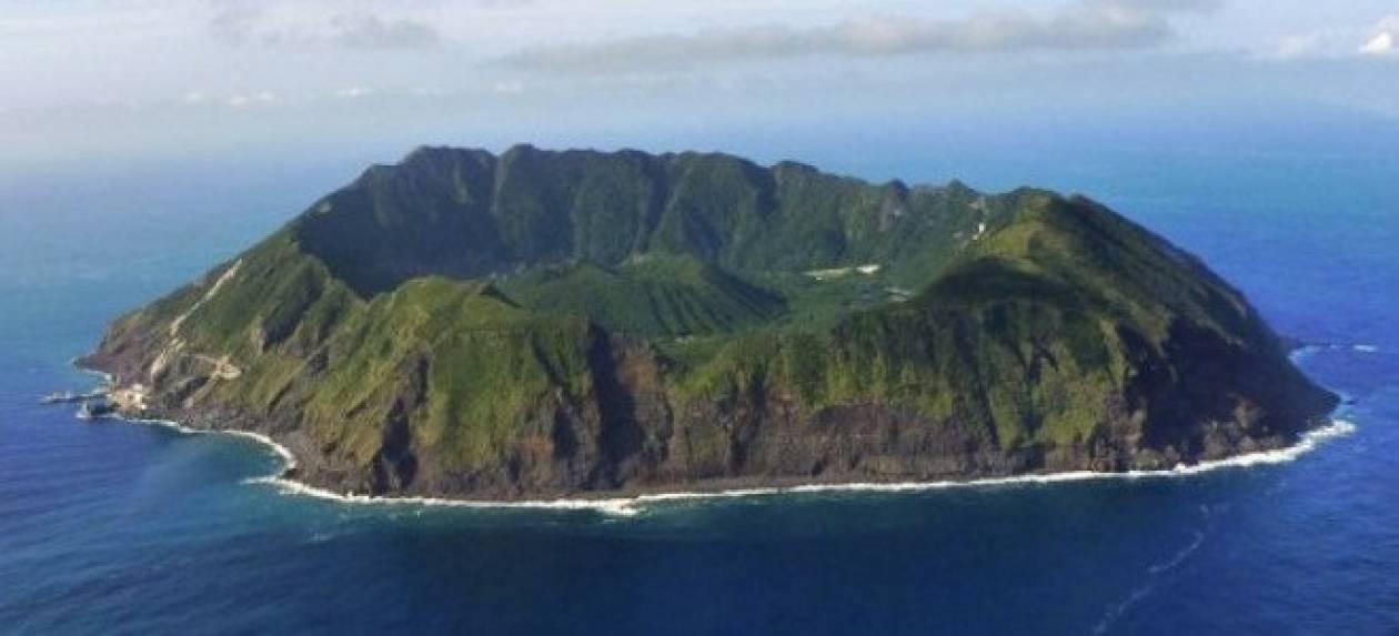 Απίστευτο: 200 άνθρωποι ζουν μέσα σε ένα... ηφαίστειο!
