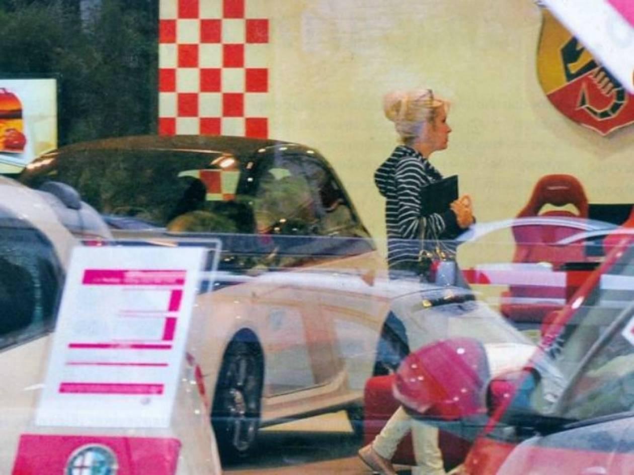 Ελένη Μενεγάκη: Η λατρεία για την ταχύτητα και η αγορά νέου αυτοκινήτο