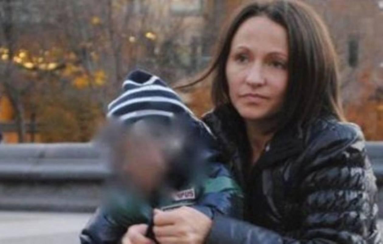 Τράπεζα απέλυσε εργαζόμενη που ο γιος της έπαθε καρκίνο