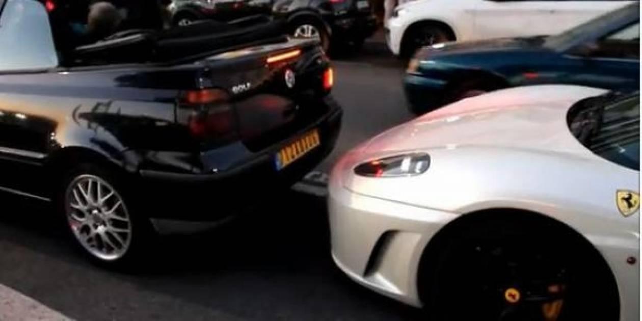 Βίντεο: Ηλικιωμένος οδηγός εναντίον... Ferrari