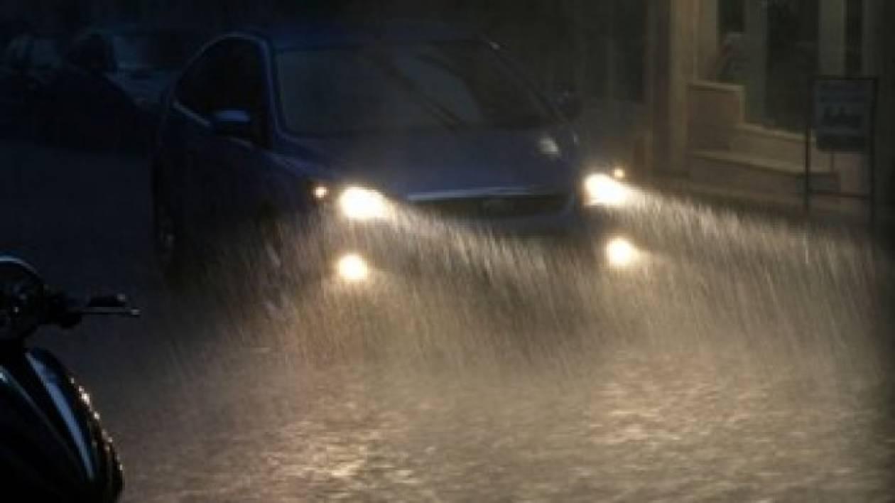 Κρήτη: «Φράκαραν» τα φρεάτια, πλημμύρισαν οι δρόμοι
