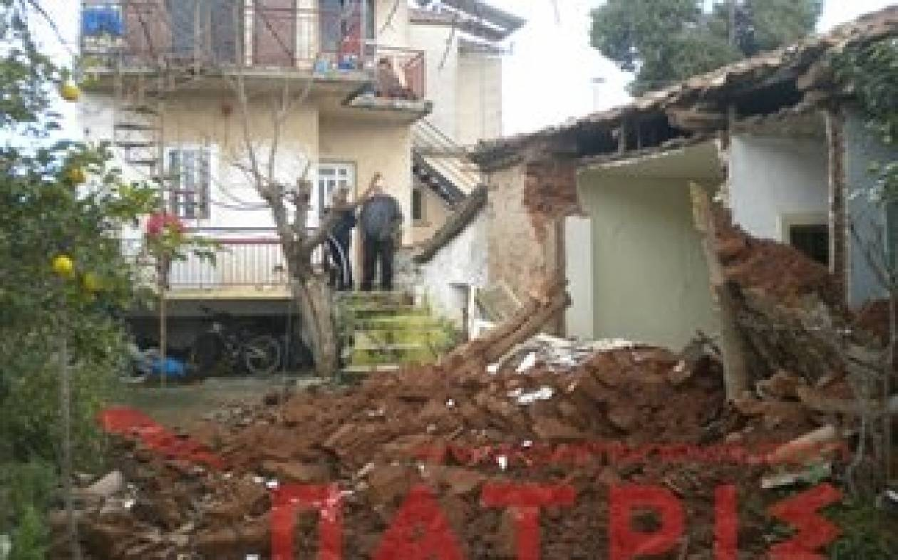 Aπίστευτο: Είδαν γειτονικό σπίτι να καταρρέει στην αυλή τους!