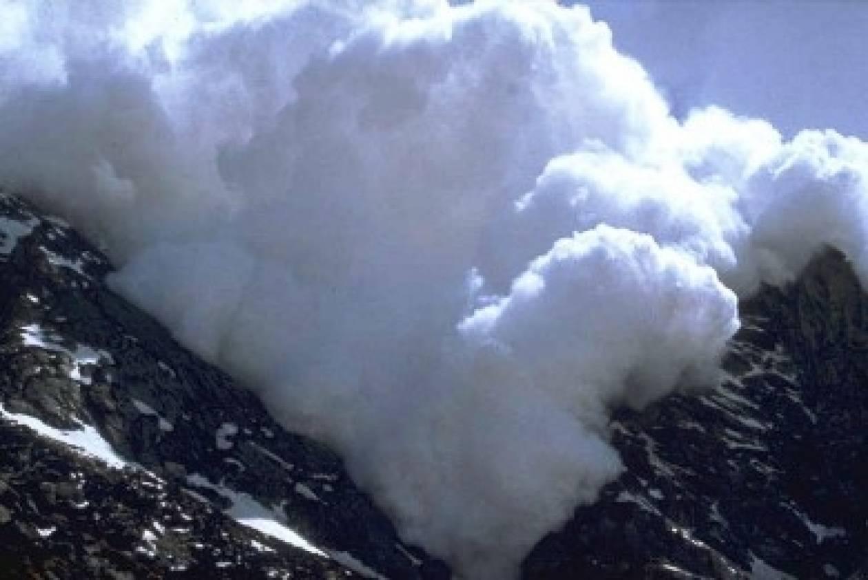 Τέσσερις νεκροί από χιονοστιβάδα