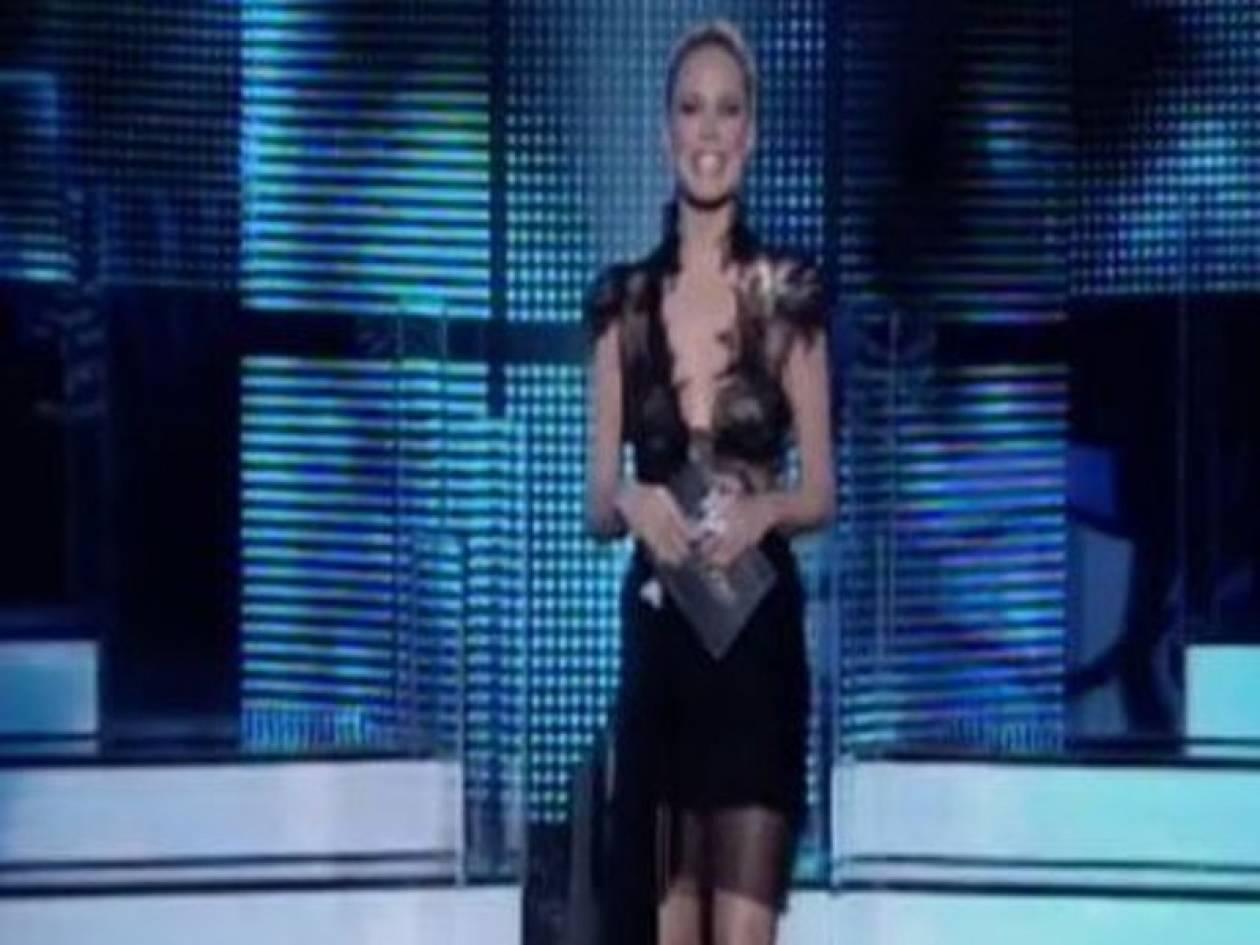 Ο Γιώργος Σεγρεδάκης ντύνει τη Ζέτα με Λουκία!