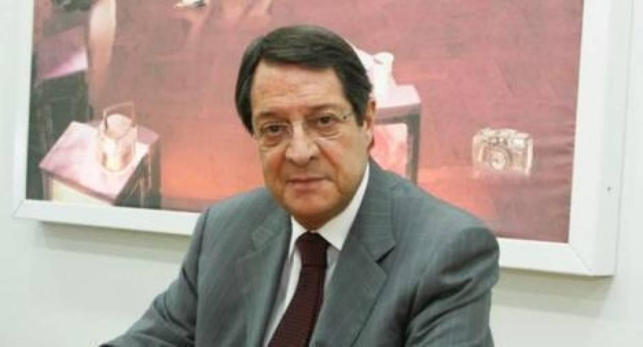 Αναστασιάδης: Υπόσχεται δάνειο από εξωτερικό αν εκλεγεί πρόεδρος