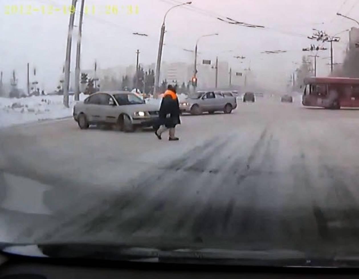 Βίντεο: Δεν έχει μείνει όχημα στη Ρωσία