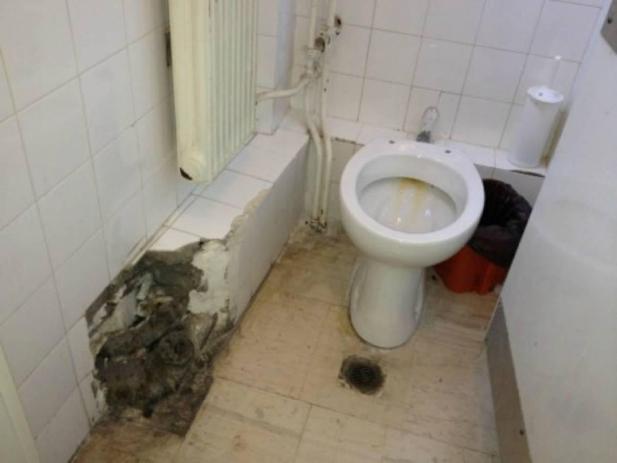 Πάτρα: Δε φαντάζεστε πού βρίσκονται αυτές οι τουαλέτες!