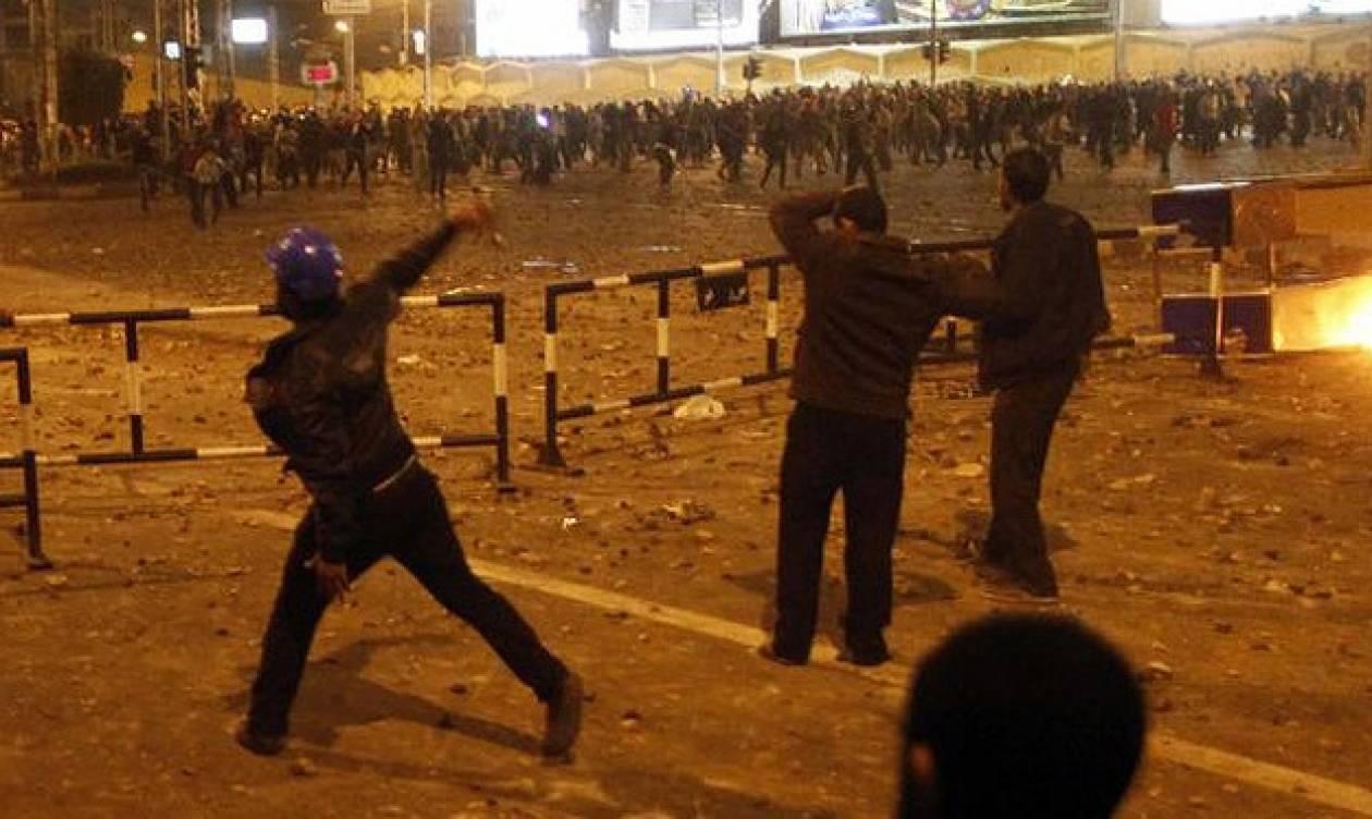 Με ένταση στην πλατεία Ταχρίρ ξημέρωσε η 2η επέτειος της εξέγερσης