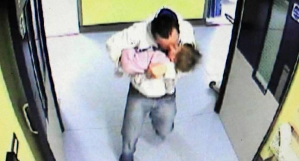 Στη φυλακή ο παιδόφιλος που μετέφερε το θύμα του νεκρό στο νοσοκομείο