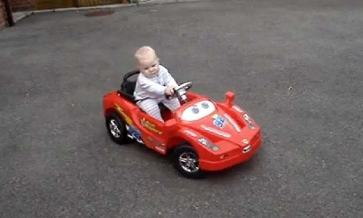 Εκπληκτικό βίντεο: «Είμαι ο πιο τέλειος οδηγός»