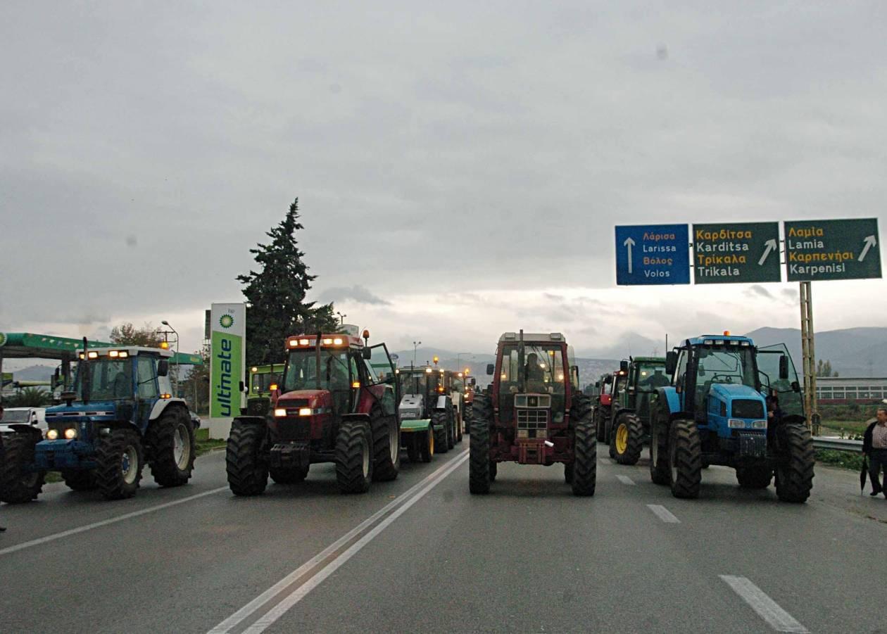 «Στον αγώνα» και οι αγρότες: Αποκλείουν την Εγνατία Οδό