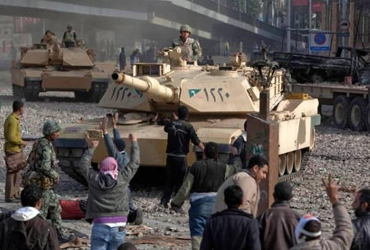 Αίγυπτος: Για κατάρρευση του κράτους προειδοποιεί ο στρατός