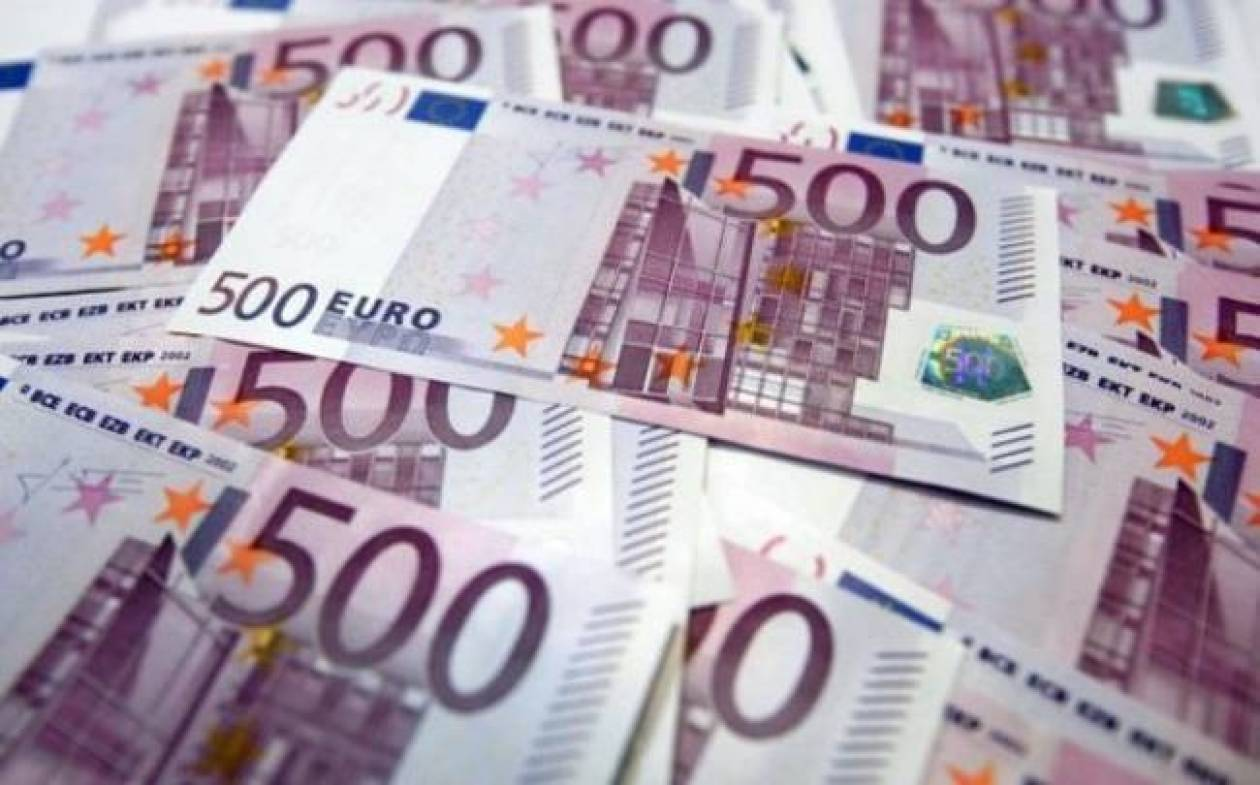 11χρονη βρήκε και παρέδωσε χαρτοφύλακα γεμάτο χρήματα