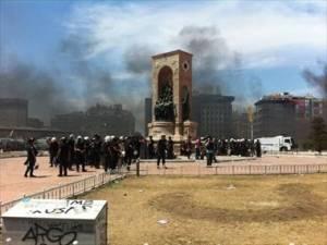 Τουρκία: Εισβολή της τουρκικής αστυνομίας στο πάρκο Γκεζί