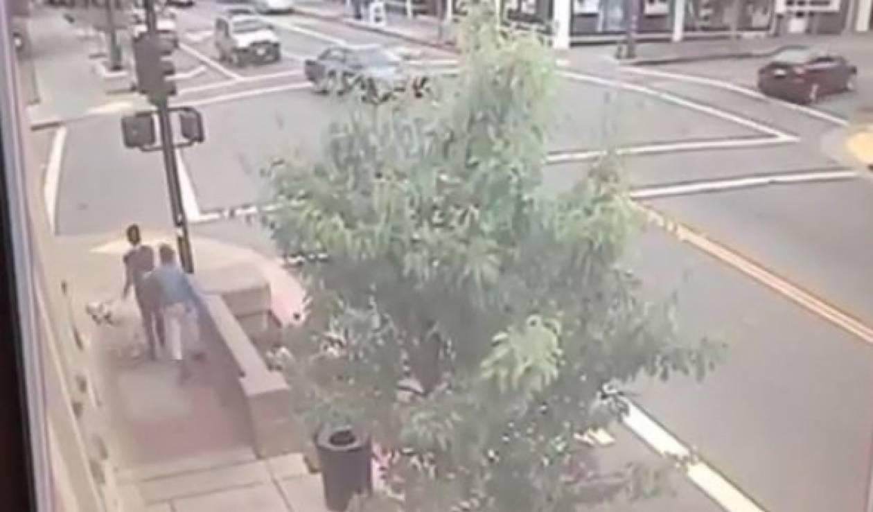 Βίντεο: Οδηγός κίνδυνος-θάνατος. Γλύτωσαν από θαύμα