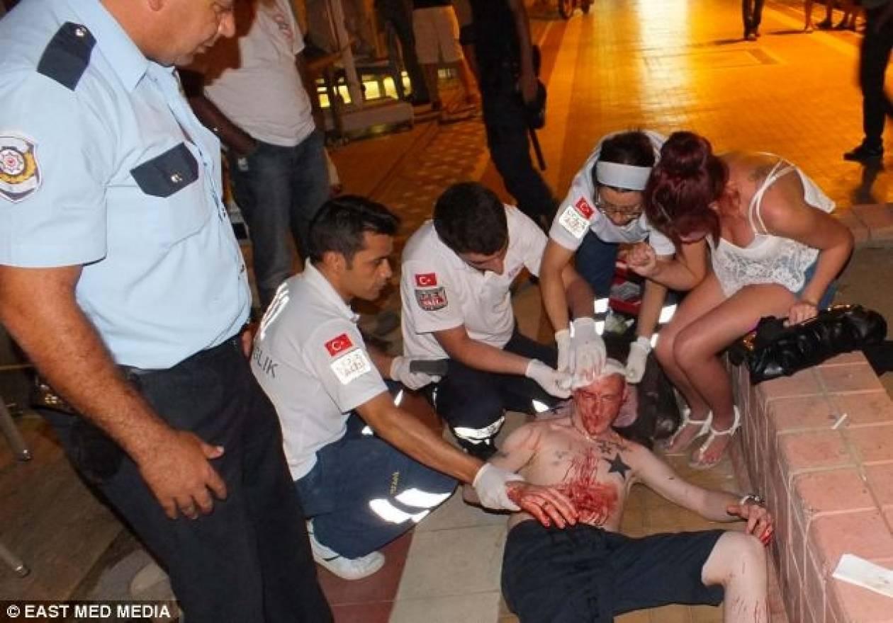 Εικόνες ΣΟΚ: Μεθυσμένοι Βρετανοί τουρίστες πλακώνονται με Τούρκους!