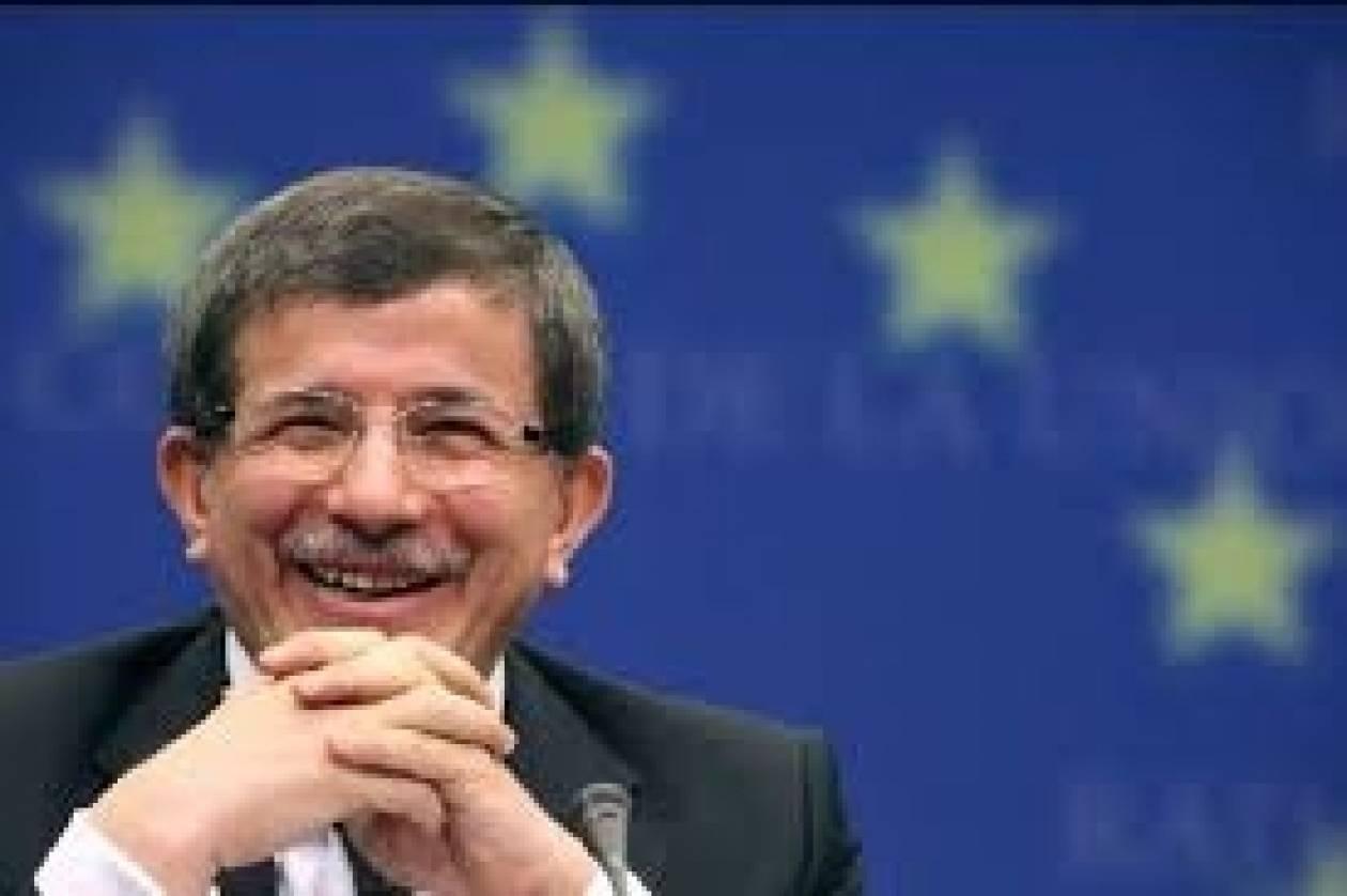 Νταβούτογλου:Όλες οι (ανταρτο)ομάδες Συρίας είναι «φίλοι της Τουρκίας»