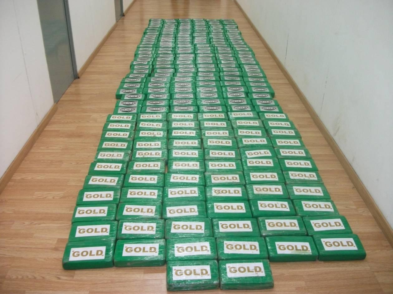 Η ΕΛ.ΑΣ. για τον μισό τόνο κοκαΐνης που βρέθηκε σε φορτίο με μπανάνες