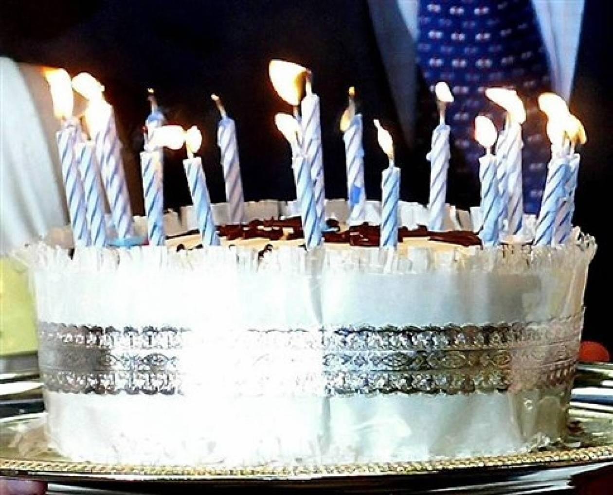 Και όμως... Πιο νόστιμη η τούρτα μετά το τραγούδι γενεθλίων