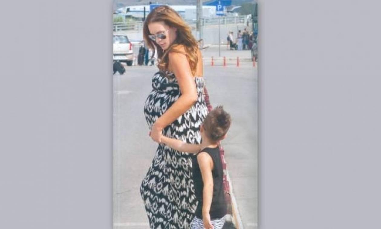 Σίσσυ Χρηστίδου: Στην Χαλκιδική με τον γιο της λίγο πριν γεννήσει