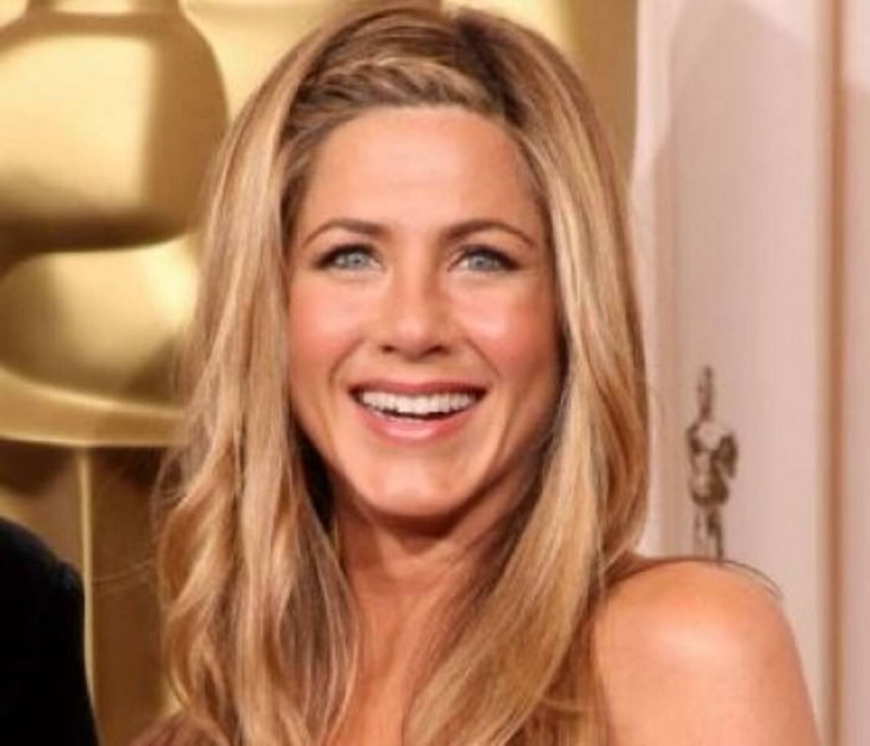 Jennifer Aniston: Αρνείται να καλέσει την μητέρα της στο γάμο!