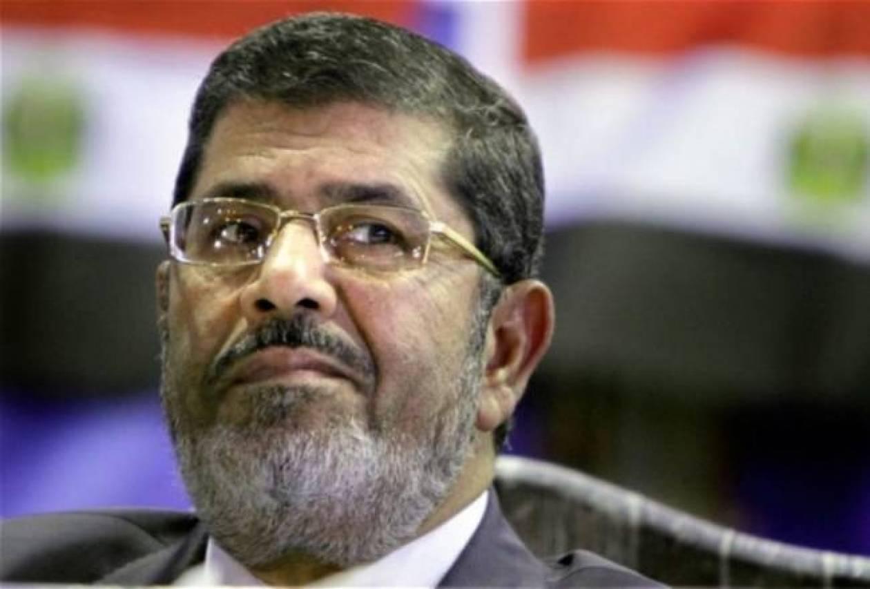Σοβαρές κατηγορίες για Μόρσι-Απειλείται μέχρι και με θανατική ποινή