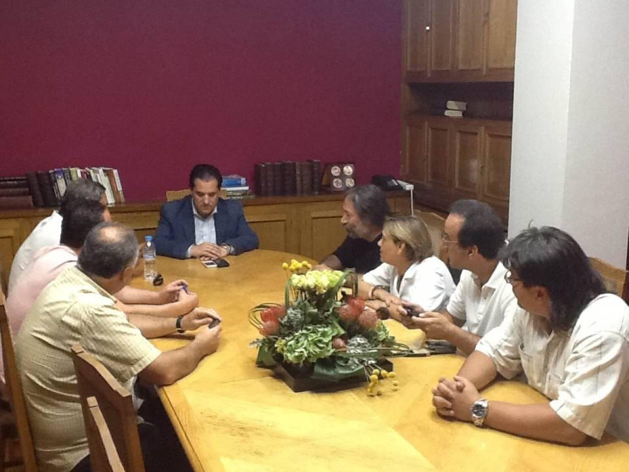 Άδ. Γεωργιάδης: Συνάντηση με συνδικαλιστές του «Αγ. Βαρβάρα» (pics)