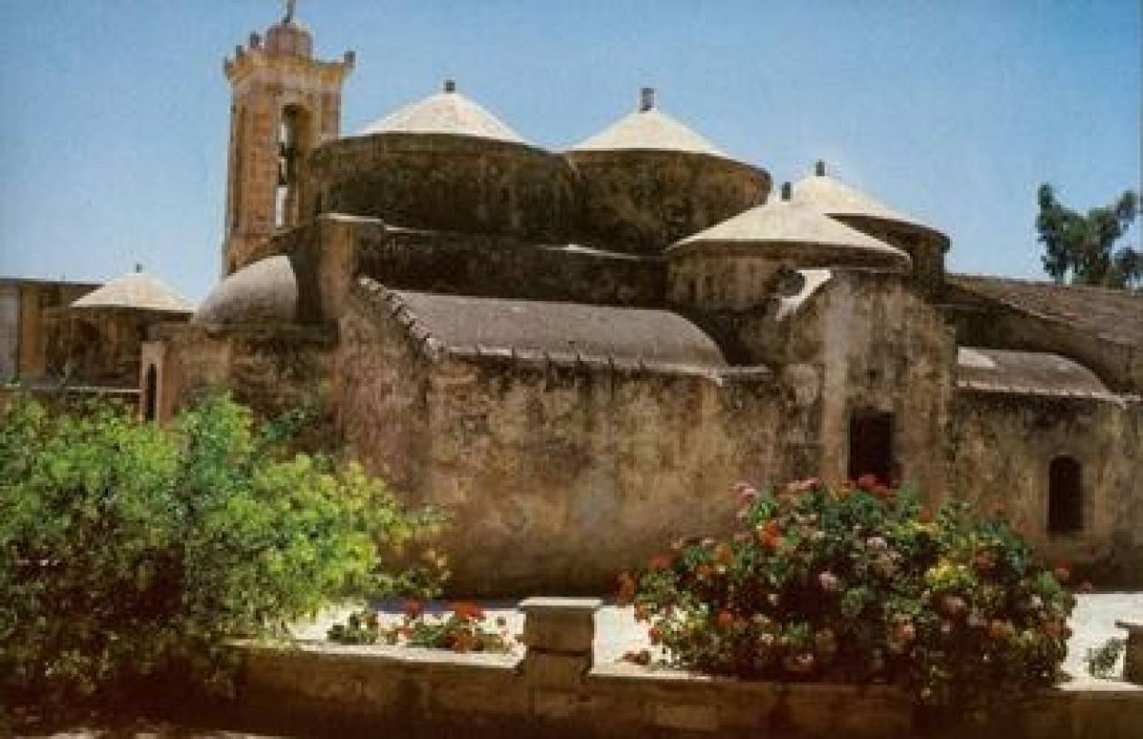 Κοσμοσυρροή στο πανηγύρι της Αγίας Παρασκευής στην Κύπρο