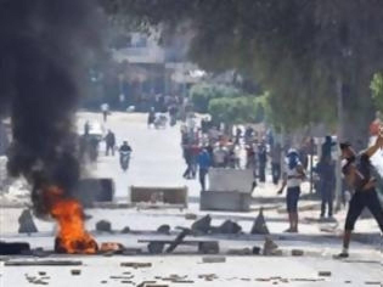 Ένας νεκρός σε συγκρούσεις στην Τυνησία