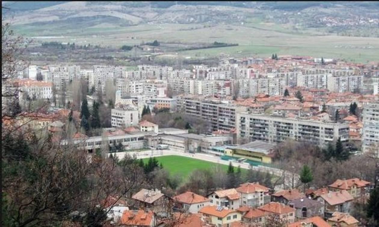 Συνάντηση πρωθυπουργών Σκοπίων και Βουλγαρίας αύριο Κυριακή