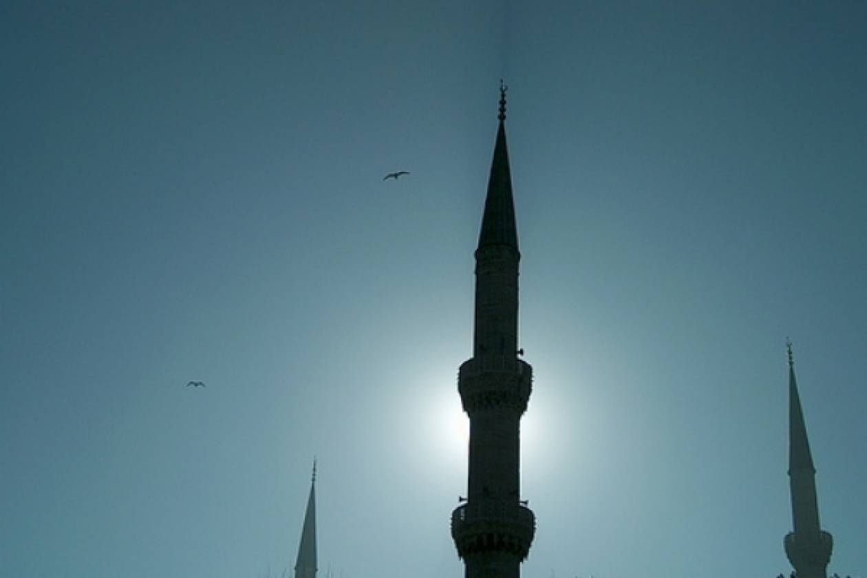 «Ενοχλούν» τα τζαμιά στα Σκόπια