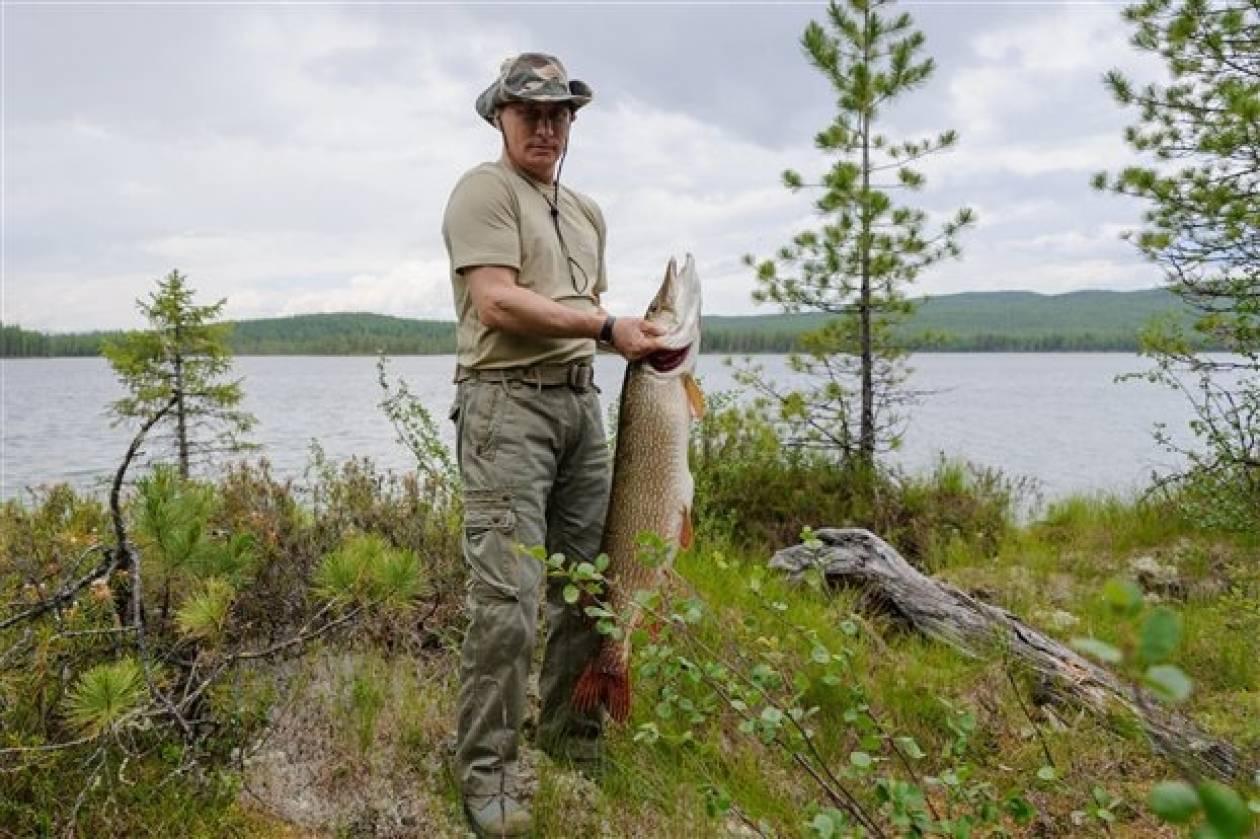 Βλαδιμίρ Πούτιν: Μας δείχνει υπερήφανος τον λούτσο του