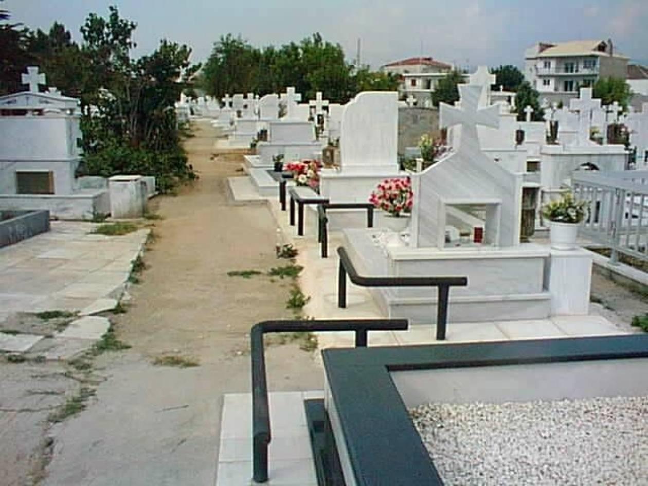 «Μούδιασαν» όλοι στην κηδεία όταν την είδαν να...